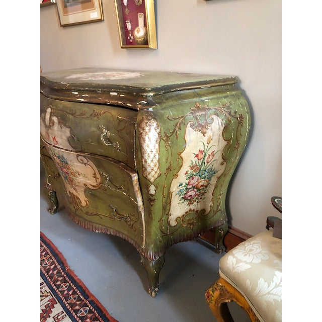 18th Century Venetian Rococo Bombe Chest of Drawers For Sale In Minneapolis - Image 6 of 13