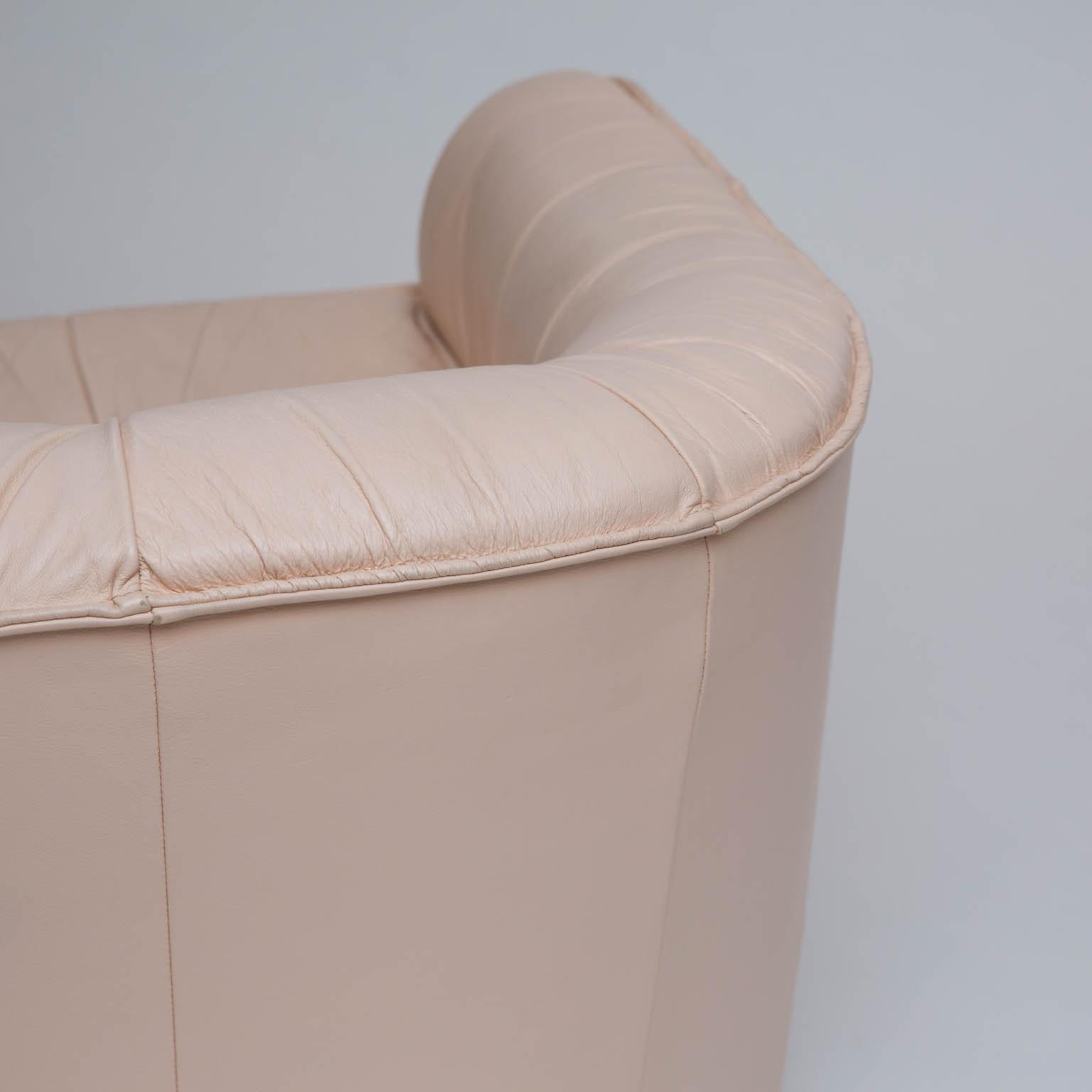 Leather Barrel Back Swivel Chair   Image 4 Of 7
