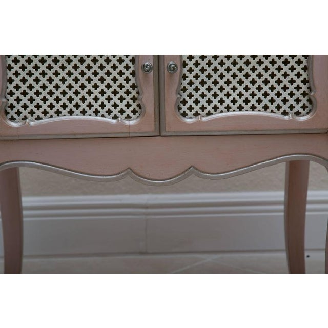 Pair of Pink Painted and Parcel Silver Commodes, 20th Century - Image 4 of 10