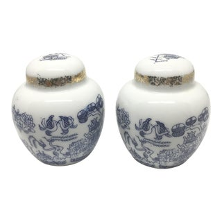 Vintage Chinoiserie Blue & White Ginger Jar Salt & Pepper Shaker Set- A Pair For Sale