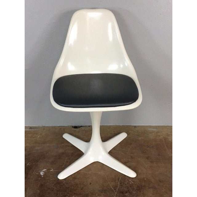 Burke, Inc. Set of 4 Saarinen Style Tulip Table and Propeller Base Chairs by Burke For Sale - Image 4 of 11