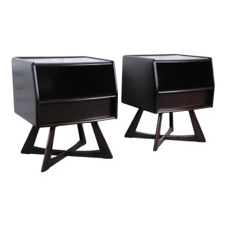 Heywood Wakefield Sculptura Ebonized Mid-Century Modern Nightstands - a Pair For Sale