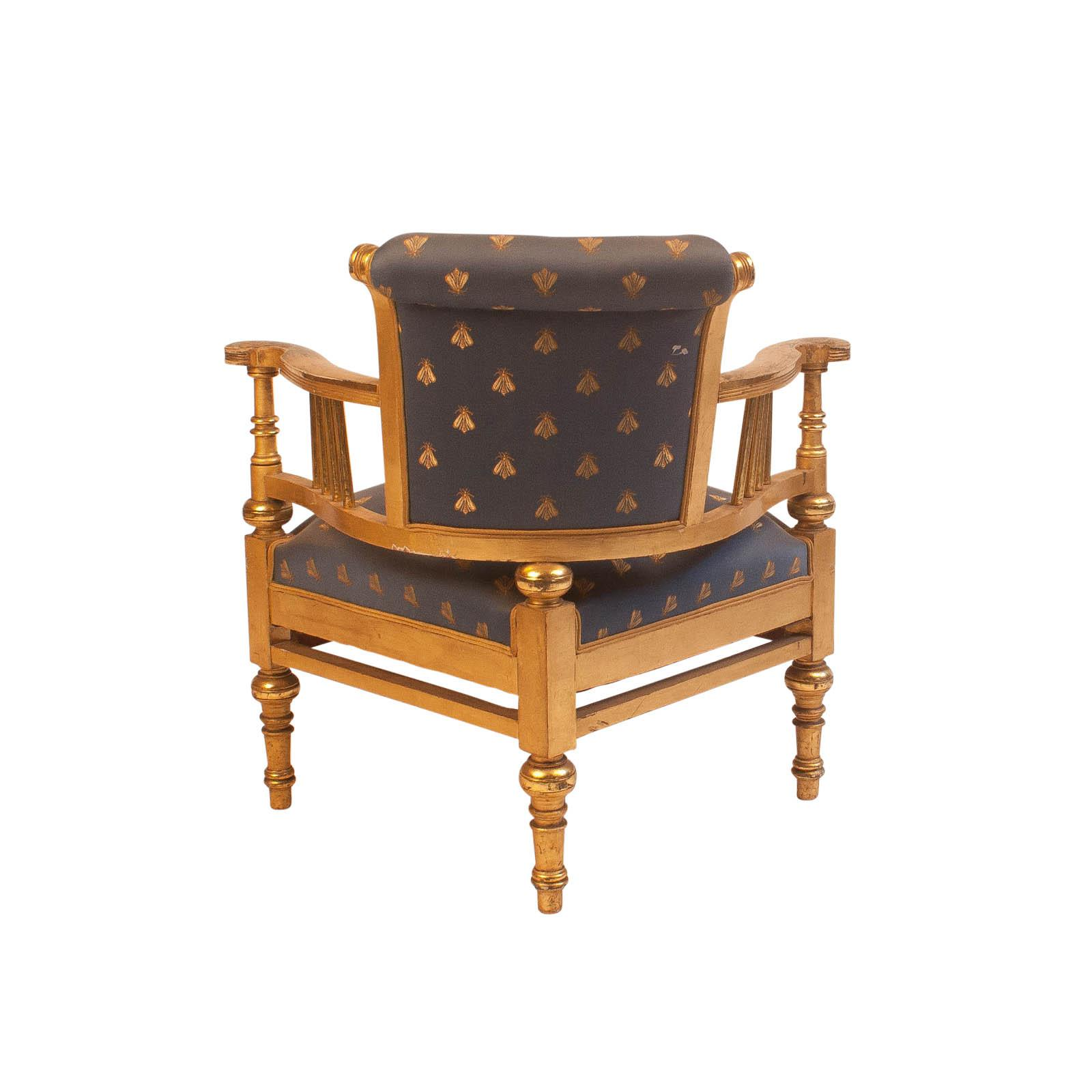 French 19th Century Napoleon III Gilt Wood Corner Chair For Sale   Image 3  Of 4