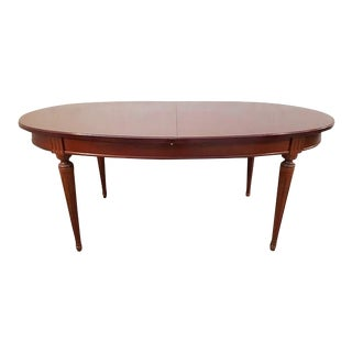 Vintage Mahogany Extending Oval Dining Table With Butterfly Leaves For Sale