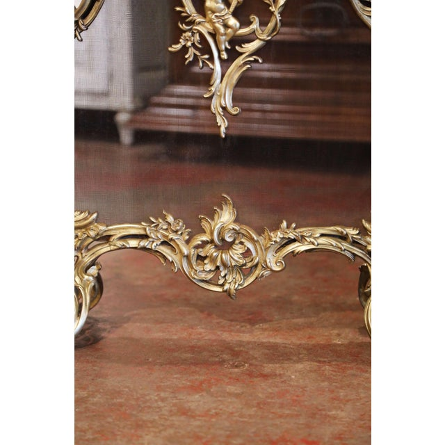 19th Century French Louis XV Bronze Doré Fireplace Screen With Cherub Motif For Sale - Image 4 of 9