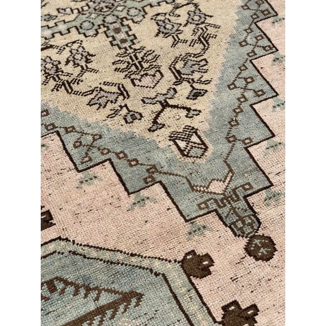 "1950s 1950's Vintage Turkish Oushak Wool Rug - 4'8"" x 8'1"" For Sale - Image 5 of 13"