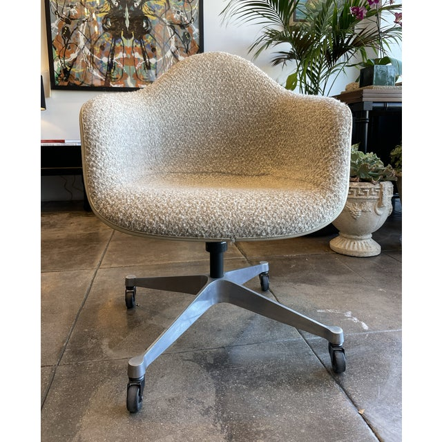 Metal Eames Task Rolling Armchair Reupholstered in Boucle For Sale - Image 7 of 7