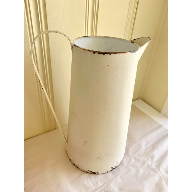 1990s Rustic Farmhouse Large Metal Pitcher Vessel For Sale - Image 5 of 11