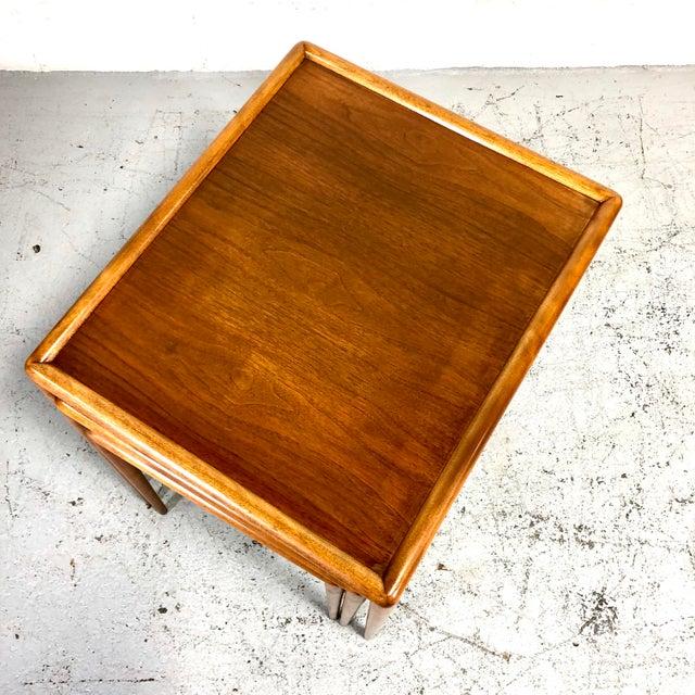 t.h. Robsjohn-Gibbings Nesting Tables for Widdicomb - Set of 3 For Sale In New York - Image 6 of 13