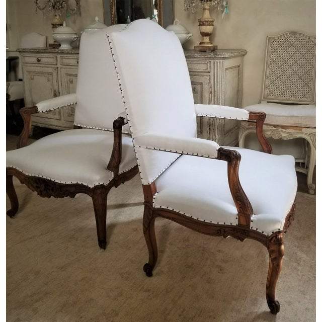 19th C. Walnut Louis XV Armchairs Pair For Sale In New Orleans - Image 6 of 12