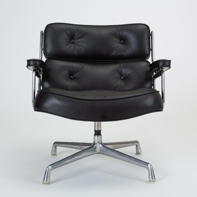 Bauhaus Black Leather Time Life Lobby Chair by Ray and Charles Eames for Herman Miller For Sale - Image 3 of 13