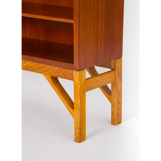 Danish Modern Bookcase in Teak and Oak by Børge Mogensen For Sale - Image 9 of 12