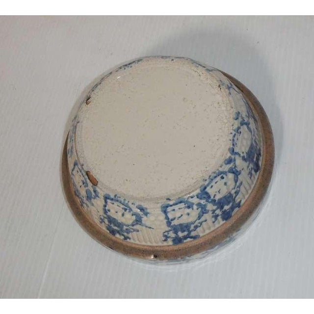 19th Century Blue and White Sponge Ware Pottery Bowl For Sale In Los Angeles - Image 6 of 7