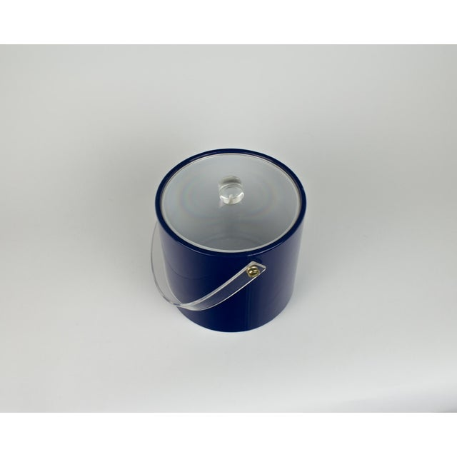 Mid Century Navy Blue and Lucite Ice Bucket - Image 7 of 10