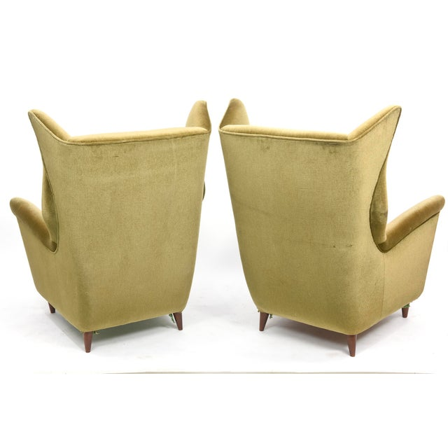 Large and Imposing Pair of Italian Modern Lounge Chairs in Gio Ponti Style For Sale - Image 4 of 11