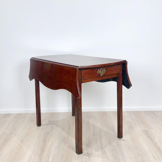 Late 18th Century Serpentine Pembroke Table For Sale - Image 9 of 9