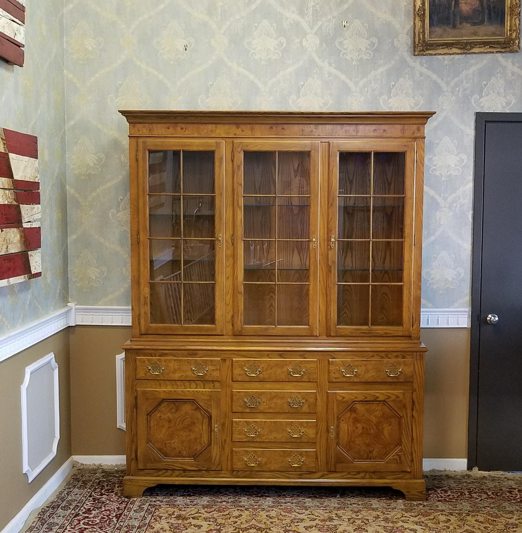 This Is A Very Nice Baker Furniture Oak With Elm Panels Traditional Queen  Anne Style Dining