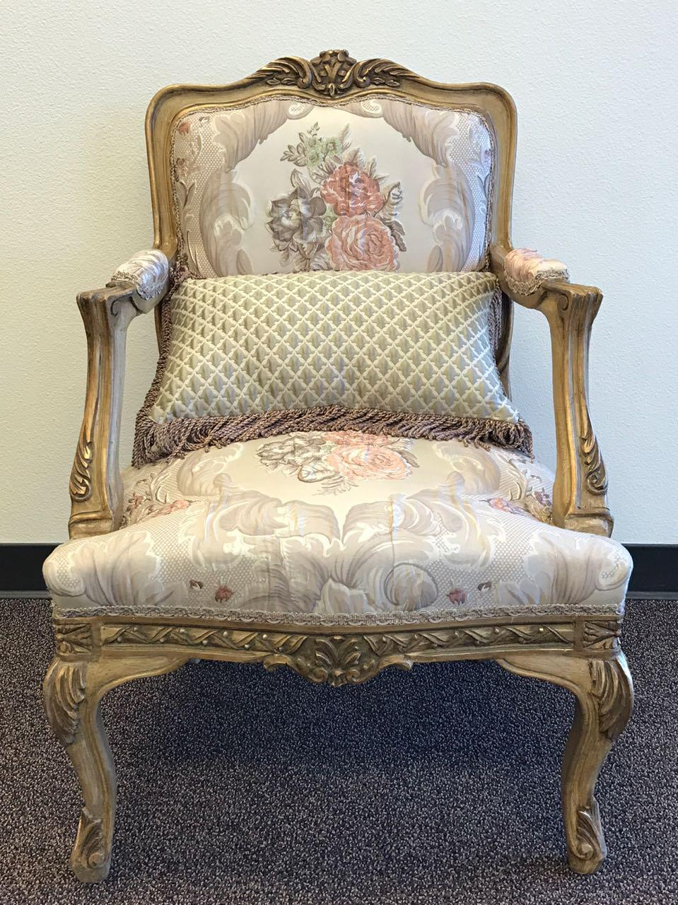 Exceptionnel French Style Gilded Chair
