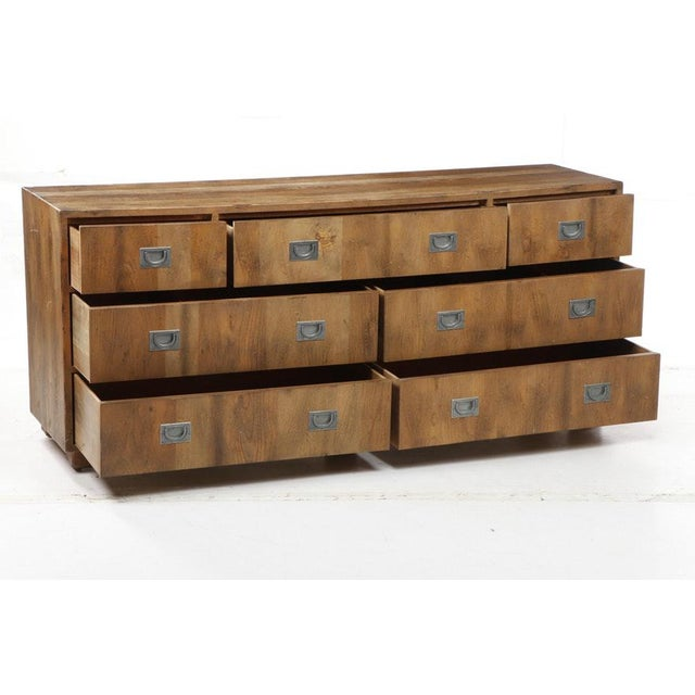 Campaign 1970s Henredon Circa 76 Collection Campaign Chest For Sale - Image 3 of 10