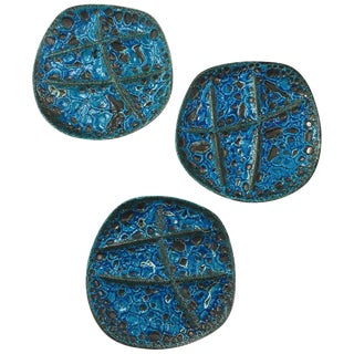 1970s Vintage French Blue Lava Glazed Painted Stoneware Plates - Set of 3 For Sale