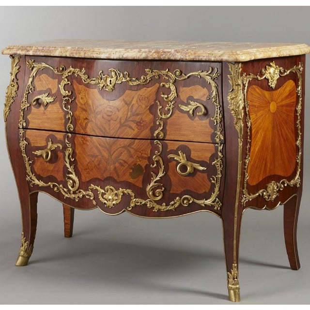 Ormolu Mounted Tulipwood and Amaranth Marquetry Commode For Sale - Image 4 of 13