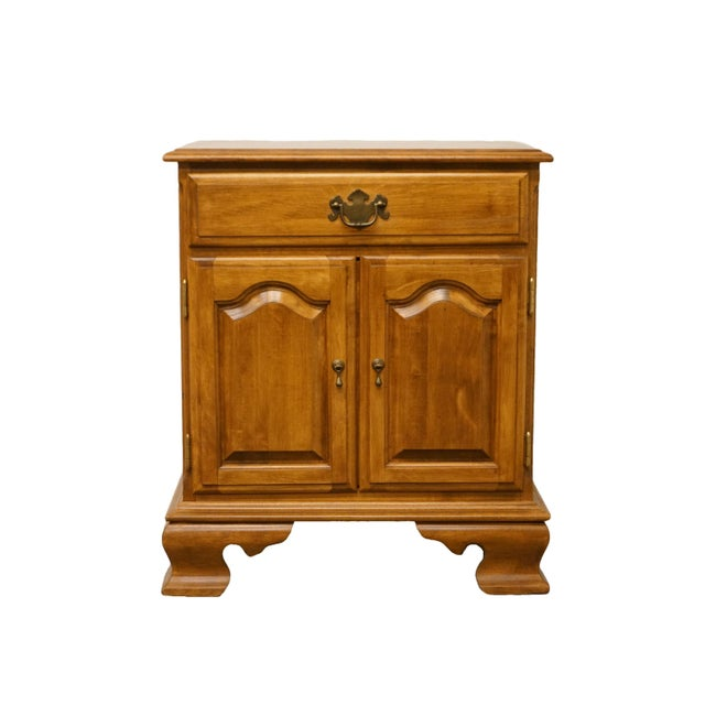 """20th Century Early American Ethan Allen Heirloom Nutmeg Maple 22"""" Cabinet Nightstand For Sale - Image 9 of 13"""