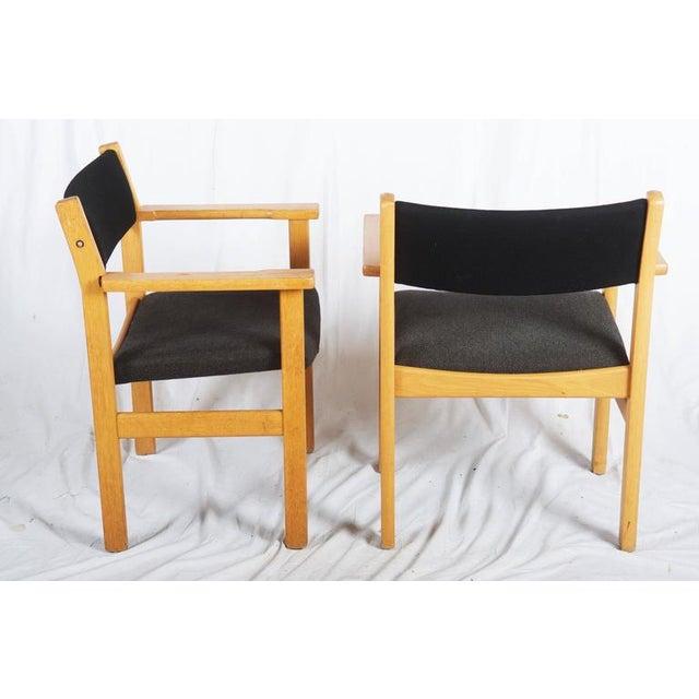 GETAMA Vintage Armchairs by Hans J. Wegner for Getama - A Pair For Sale - Image 4 of 7