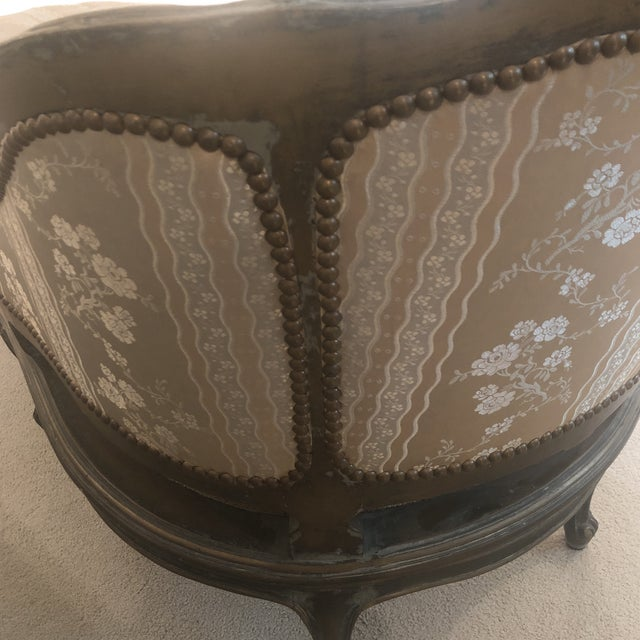 1930s Antique French Louis XVI Carved Chaise Lounge For Sale - Image 10 of 13