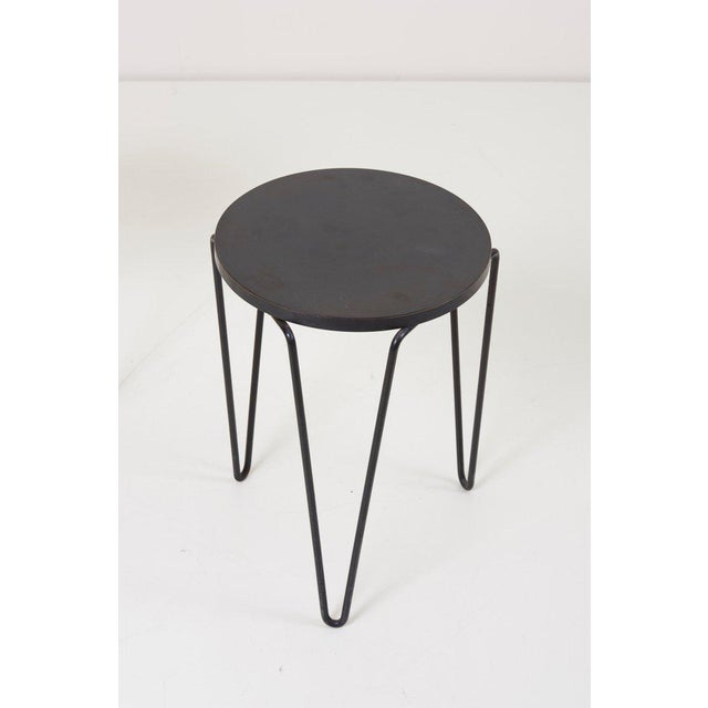 Mid-Century Modern Pair of Early Original Vintage Hairpin Stacking Stools or Side Tables by Knoll For Sale - Image 3 of 7