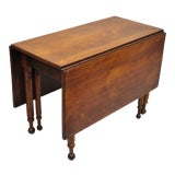 Image of 19th Century American Federal Walnut Drop Leaf Dining Breakfast Table For Sale