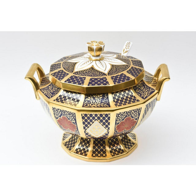 Imari Porcelain English Porcelain Imari Pattern Painted Tureen With Underplate For Sale - Image 4 of 11