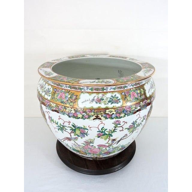 Asian 20th Century Chinese Rose Canton Gilt & Lucky Coin Porcelain Planter, Swatow For Sale - Image 3 of 10