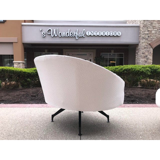 Craft Associates Mid-Century-Modern Round Lounge Chair and Ottoman Space-Age White Vinyl For Sale - Image 4 of 12