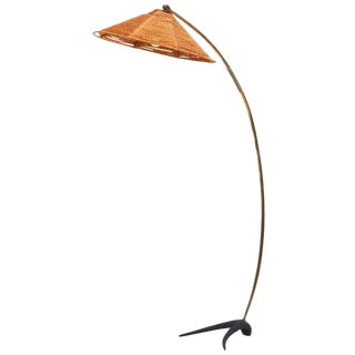 Elegant 1950s Arc Lamp in Brass and Rope With a Solid Crow's Foot For Sale