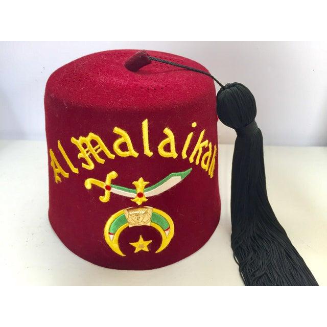 Al Malaikah Iconic Masonic Shriner Burgundy Wool Fez Hat in Original Box For Sale - Image 12 of 12