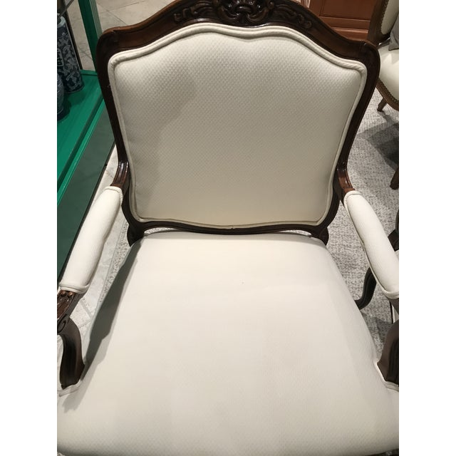 Sherrill Furniture 1980s Queen Anne Style Sherrill Cream Arm Chairs - a Pair For Sale - Image 4 of 9
