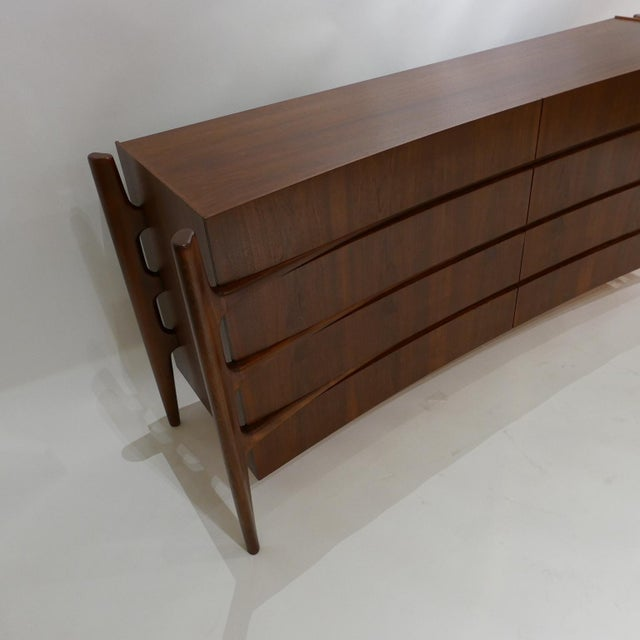 Stilted Curved Scandinavian Mid-Century Modern William Hinn Chest or Dresser For Sale - Image 9 of 13