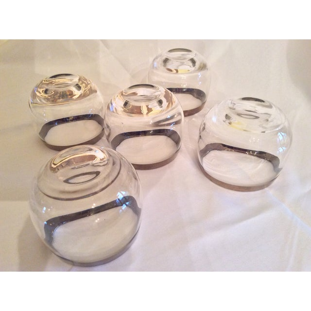 Transparent Mid-Century Dorothy Thorpe Inspired Roly Poly Whiskey Glasses - Set of 5 For Sale - Image 8 of 13