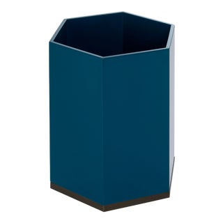 Hexagonal Bin in Indigo Blue - Veere Grenney for The Lacquer Company For Sale