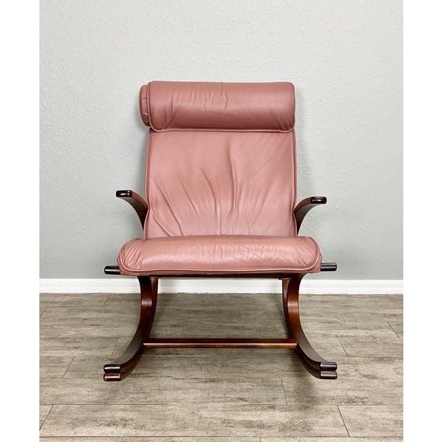 Mid-Century Modern Vintage Sculptural Bentwood Blush Leather Rocker For Sale - Image 3 of 5