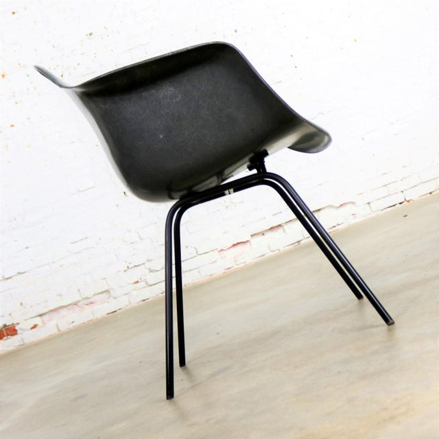 Elephant Hide Gray Eames Herman Miller Molded Fiberglass Dax Arm Shell Chair H Base For Sale - Image 6 of 13