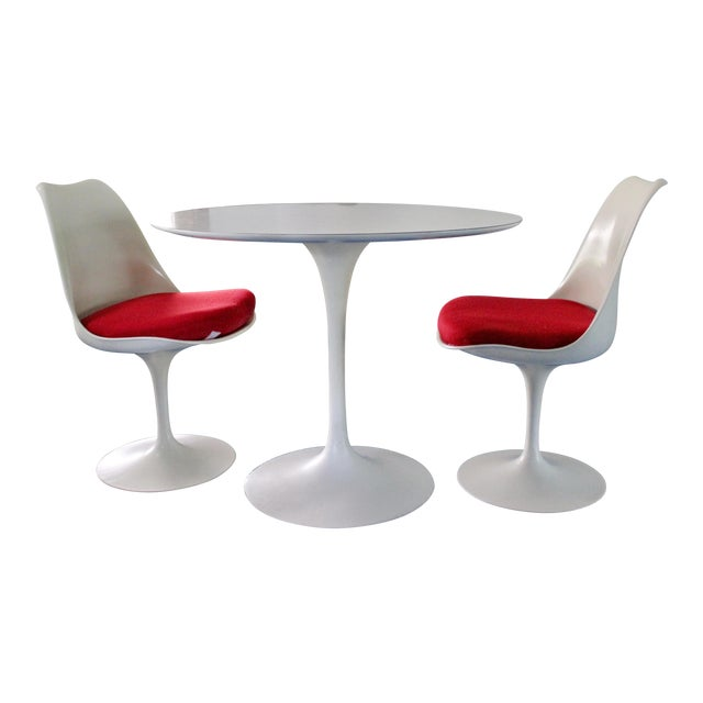 Mid-Century Modern Saarinen for Knoll White Tulip Dinette Set Table 2 Chairs For Sale