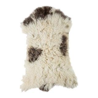 "Contemporary Long Soft Wool Sheepskin Pelt - 2'0""x2'10"" For Sale"