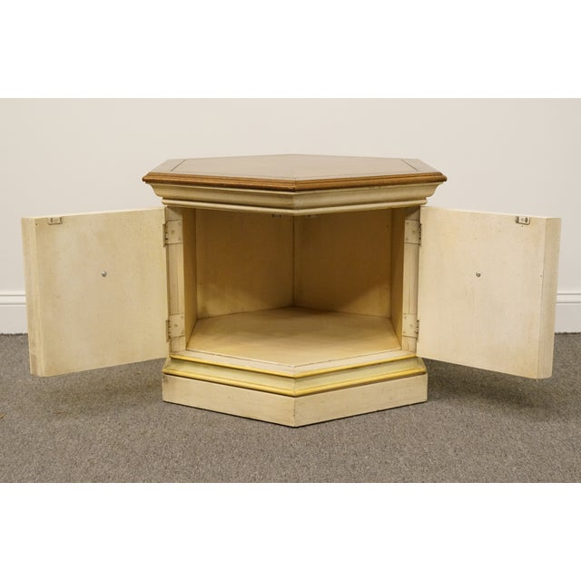 Late 20th Century Vintage Drexel Heritage Siena Collection White Hexagonal Side Table For Sale In Kansas City - Image 6 of 11