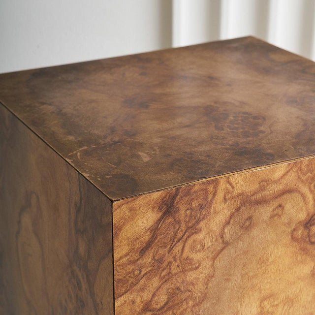 Mid 20th Century Burl Effect Pedestal For Sale - Image 5 of 6