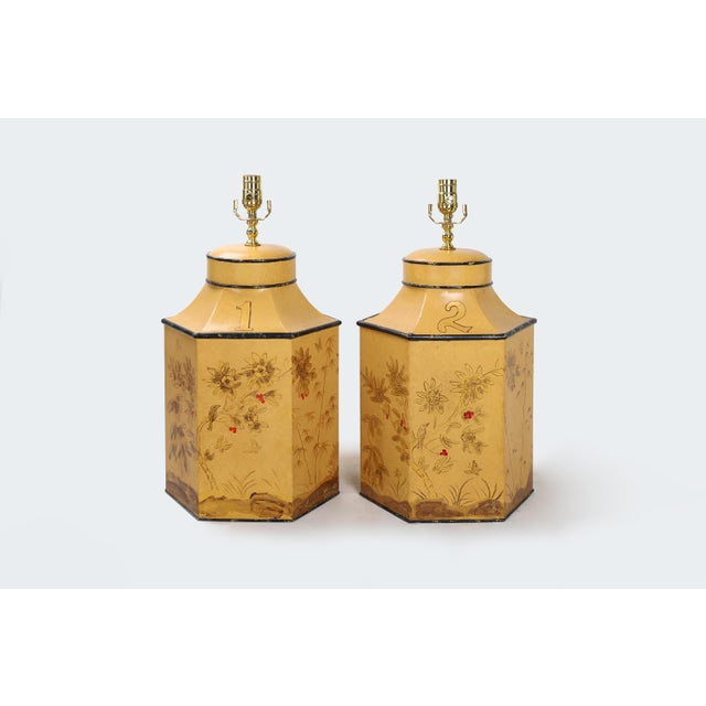 Vintage English Export Chinoiserie Style Yellow Hexagonal Tea Caddy Lamp For Sale - Image 9 of 10