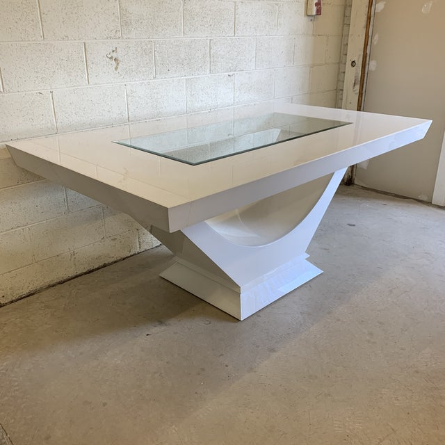 Contemporary Contemporary High Gloss Lacquer Dining Table Extends For Sale - Image 3 of 12