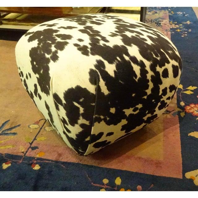 """Karl Springer 1980s Karl Springer-Style Soufflé Poufs Upholstered in Black & White Faux """"Pony"""" Print Velvet - a Pair For Sale - Image 4 of 7"""