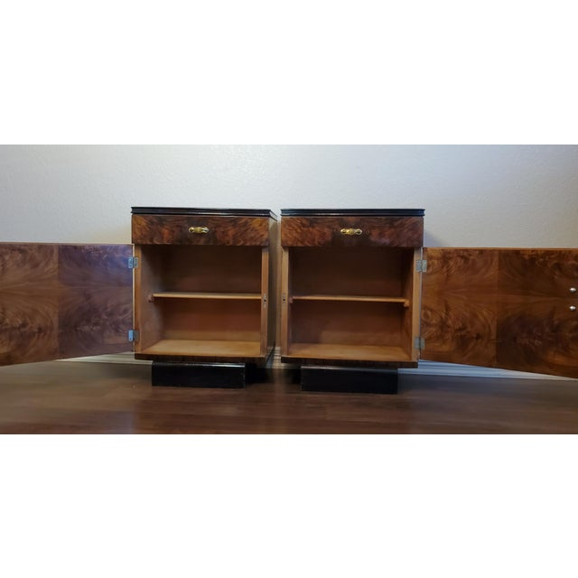 Wood 1930s Italian Art Deco Highly Figured & Burled Walnut Bedside Cabinet - a Pair For Sale - Image 7 of 12