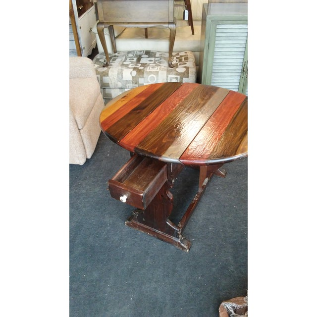 Americana 1960s British Colonial Ethan Allen Pine Old Tavern Drop Leaf Table For Sale - Image 3 of 6
